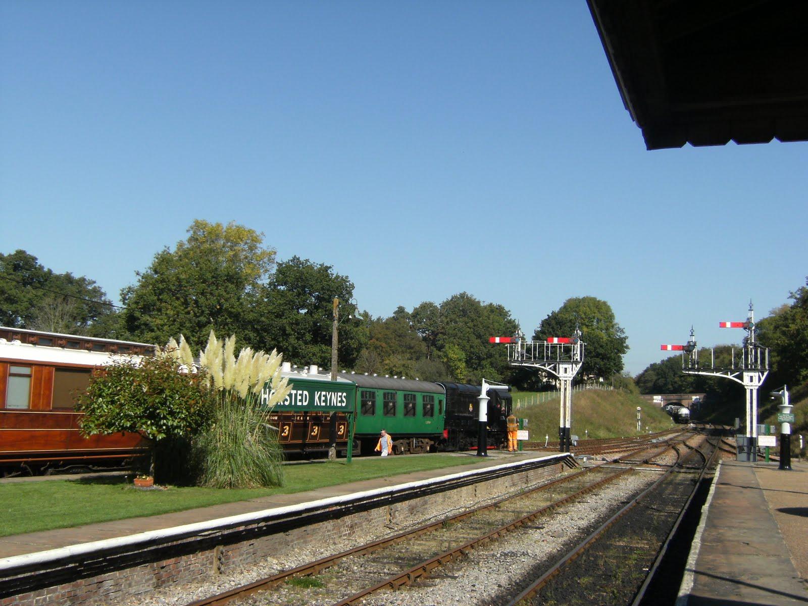 DSCF9733 Horsted Keynes station, looking north