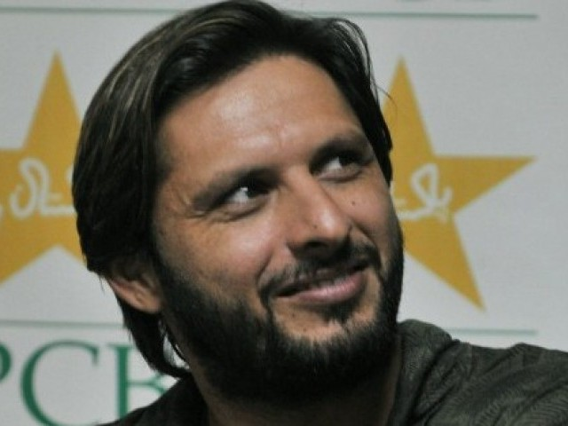 https://lh3.googleusercontent.com/-beryZfKbebI/TXOYgZ_q1EI/AAAAAAAAADs/P-Okx2hsZKk/s1600/Shahid-Afridi-answers-a-question-during-a-press-conference-in-Lahore-on-May-25-2010.-AFP-640x480.jpg