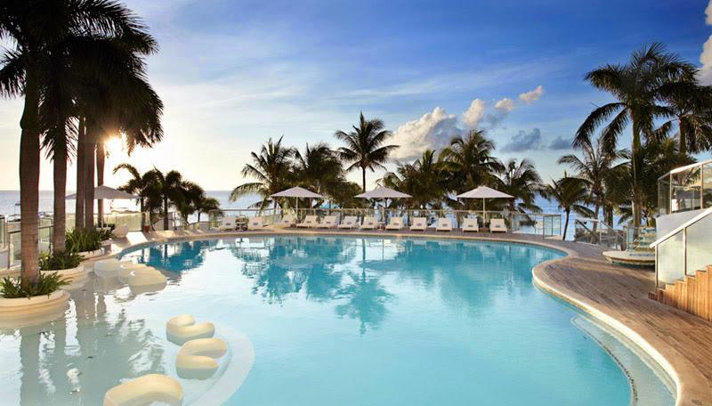 Movenpick Hotel Mactan Island Cebu's swimming pool