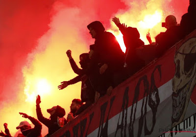 """""""Une armée derrière vous"""": ambiance et message clair des supporters avant le départ des Rouches pour la capitale!"""