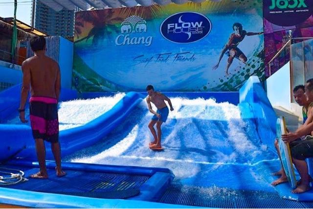 Flowboarding Flow House Bangkok