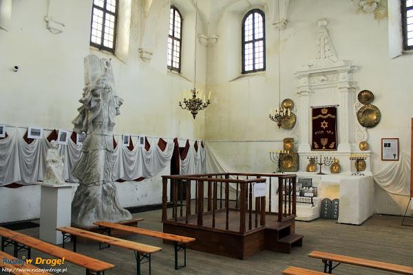 Szydłów - wnętrze synagogi