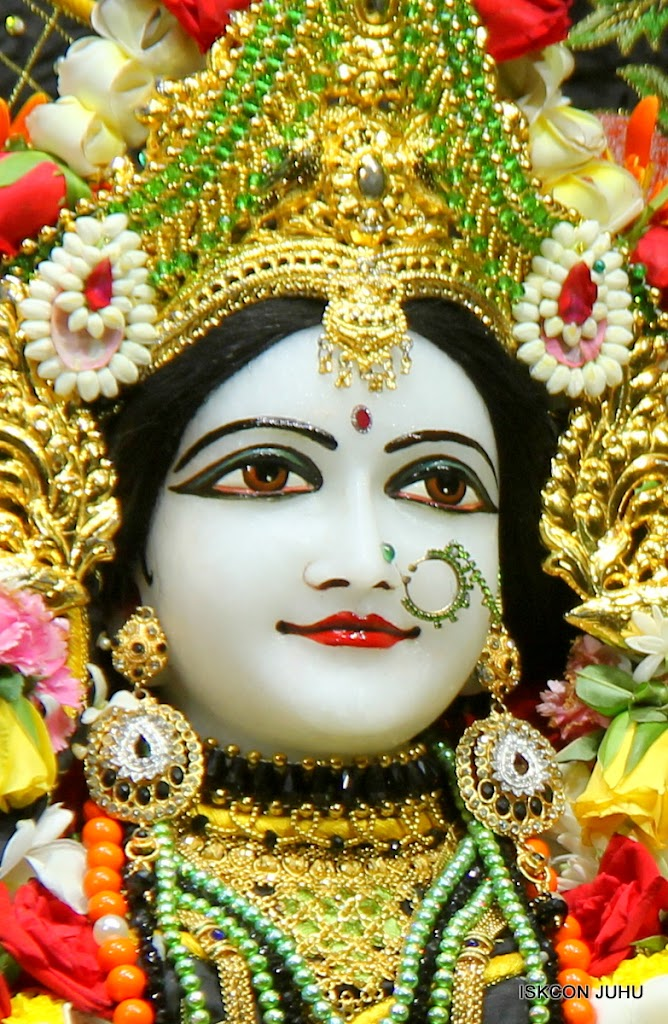 ISKCON Juhu Sringar Deity Darshan on 2nd July 2016 (31)
