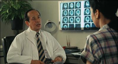 医師(神山繁)から、認知症(当時はアルツハイマー型老年痴呆症)と診断