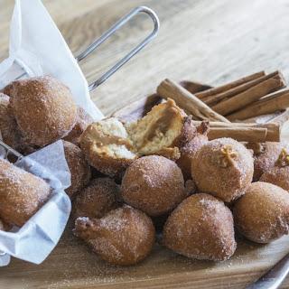 Brazilian dulce de leche doughnuts (Bolinho de chuva)