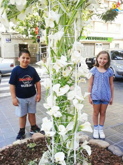 Aida y Marcos disfrutaron de la Cruz de Mayo