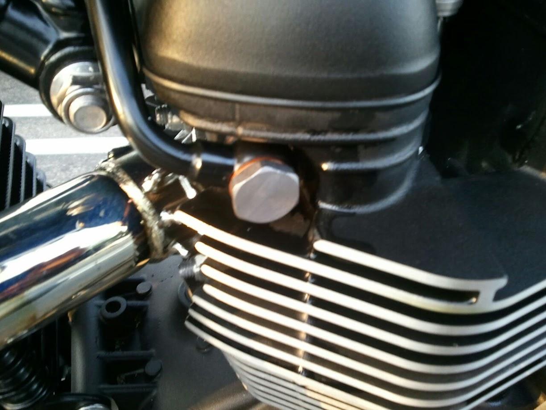 Brand New Bonneville Oil Leak Triumph Forum Triumph Rat