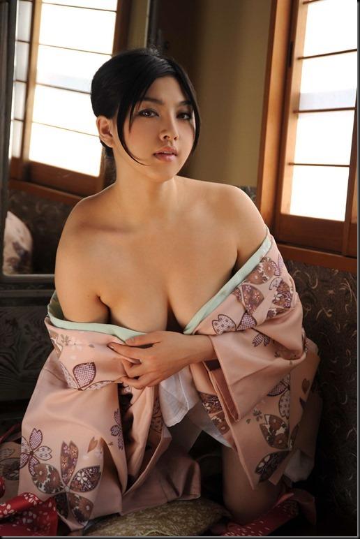 Saori Hara in Kimono_246748-0048