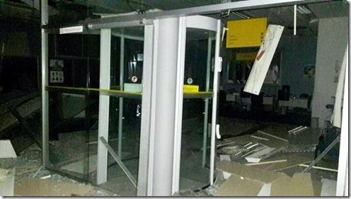 Agência-bancária-foi-explodida-na-madrugada-desta-segunda-feira