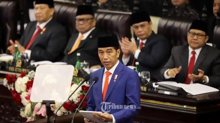 KSP: Jokowi Gak Minat Jabat Presiden 3 Periode tapi Terserah MPR