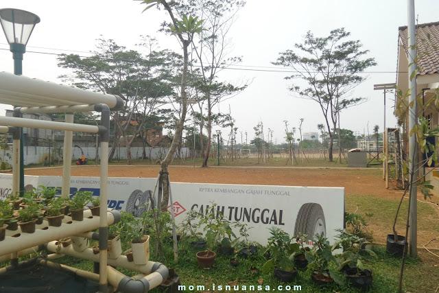 Lapangan sepakbola RPTRA Kembangan
