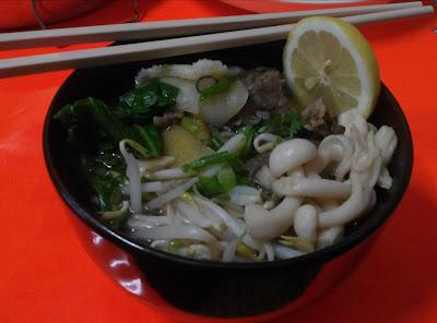 Mee sup daging ala vietnam