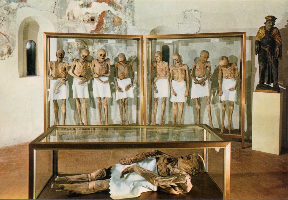 venzone-mummies-8
