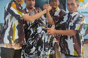 Dukung Ikatan Pemuda Karya, Jodi Mahesa Pangabean Salurkan Bantuan Baju Motif Loreng