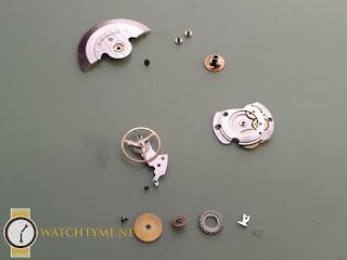 Watchtyme-Junhans-Meister-Calendar-2015-09-015