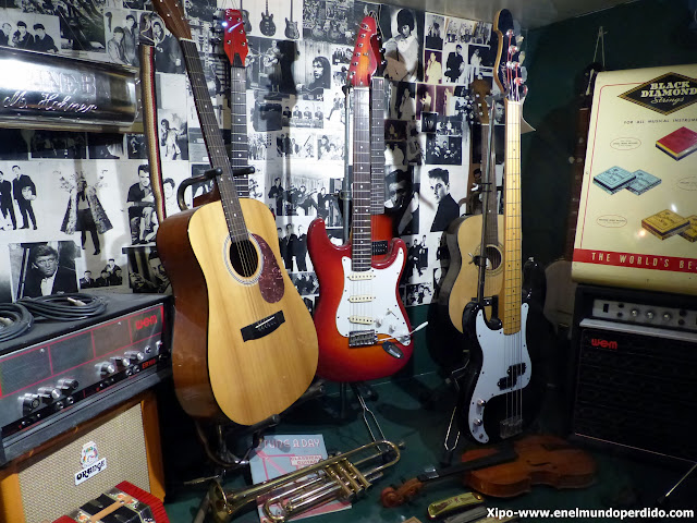 guitarras-beatles-the-beatles-story-liverpool.JPG