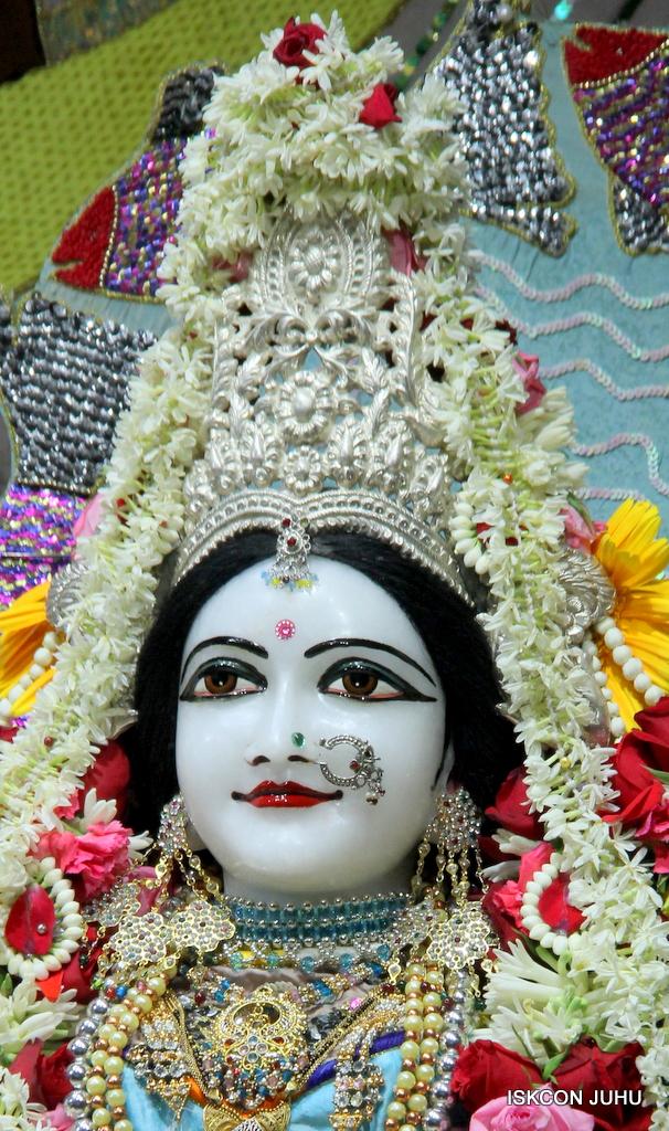 ISKCON Juhu Sringar Deity Darshan on 19th Oct 2016 (1)