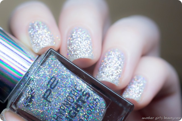 LFB Silber Silver p2 hypnotic lights 020 looking glass swatch review-3