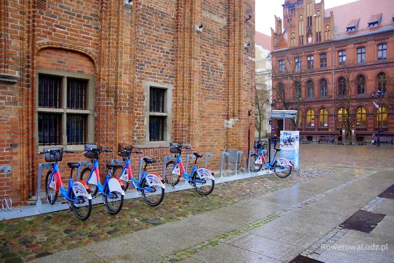 Stacja dokująca rowery publiczne w Toruniu.