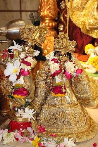 ISKCON Vallabh Vidhyanagar  Deity Darshan 09 April 2016 (5)