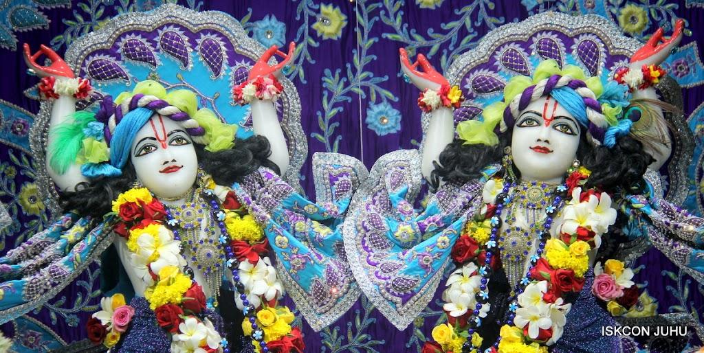 ISKCON Juhu Sringar Deity Darshan on 7th July 2016 (44)