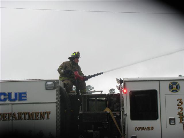 Friendfield Rd. Auto Repair Shop Fire 002.jpg