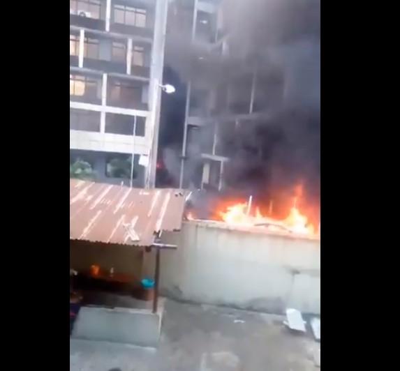 Nigerian Port Authority Headquarters On Fire! Mob Set NPA Office, Lagos Ablaze