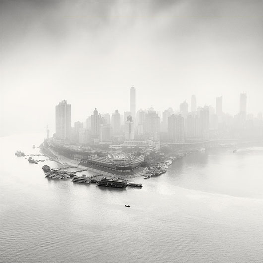 City of Fog, de Martin Stavars