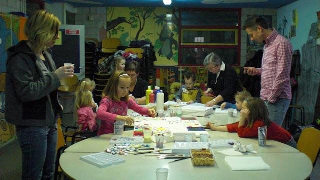 2011-02-27 Klussen voor de kinderoptocht - CIMG1664.JPG