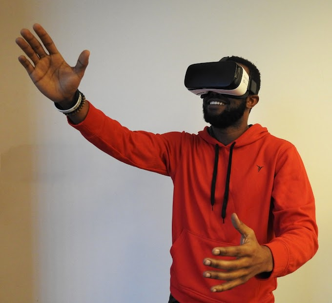 VIRTUAL REALITY, AUGMENTED REALITY AND THEIR DIFFERENCES