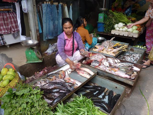 Blog de voyage-en-famille : Voyages en famille, Phnom Penh, derniers moments...