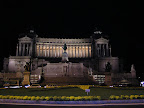 Το Vittorio Emanuele II τη νύχτα