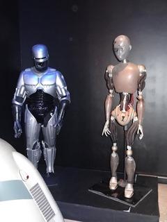 2018.01.07-007 robot NS-5 original et réplique du costume de Robocop