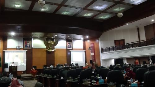 Rapat Paripurna, Ketua DPRD Sumbar Sorot Lonjakan Kasus Covid-19