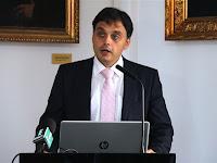 26 Latorcai Csaba, a kiemelt társadalmi ügyekért felelős helyettes államtitkár üdvözli a résztvevőket.JPG