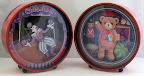 Karton - Twee muziek dozen als je er geld in doet begint de clown en de beer te dansen.