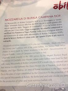 Napoli havaalanındaki mozzarella barda