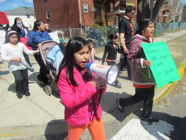 NL- intl domestic workers day march lkwd - 45195_10151601600939715_132945788_n.jpg