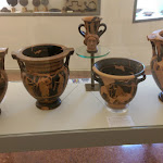 museo-nazionale-etrusco-pompeo-aria-marzabotto-kylix-attica-a-figure-rosse-popolo-etrusco.jpg