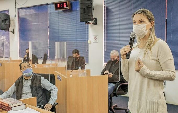 Deputada Fran Somensi fala sobre o projeto da Farmácia Solidária em Cachoeirinha