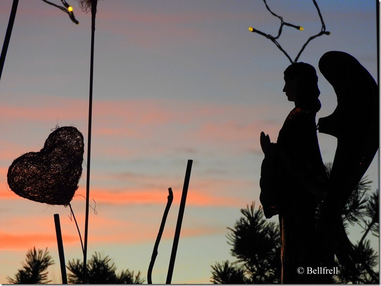Engel blickt ins Abendrot 2