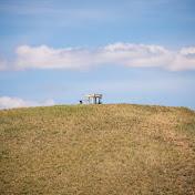Нету лучше красоты, чем по..  На самом деле, место для трапезы на вершине обрыва. Для настоящих романтиков.