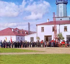 Пожарная команда в Вытегре, берег Онежского озера, 1909 год (Сергей Михайлович Прокудин-Горский)