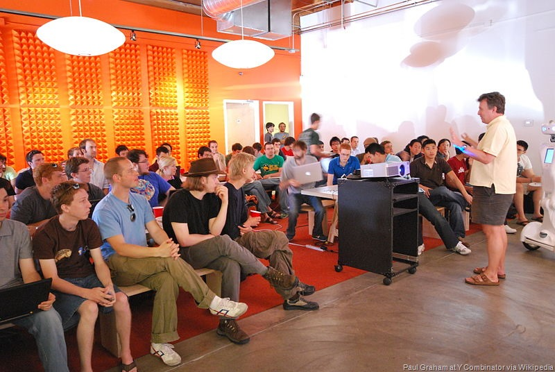 [Paul_Graham_talking_about_Prototype_Day_at_Y_Combinator%5B11%5D]