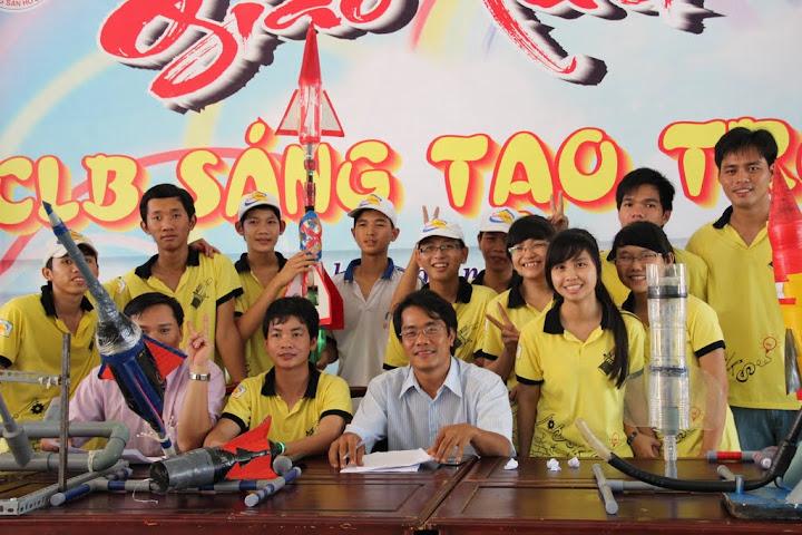 Đội tên lửa nước CQT đạt giải nhất trong Ngày hội sáng tạo trẻ Bình Phước 2012