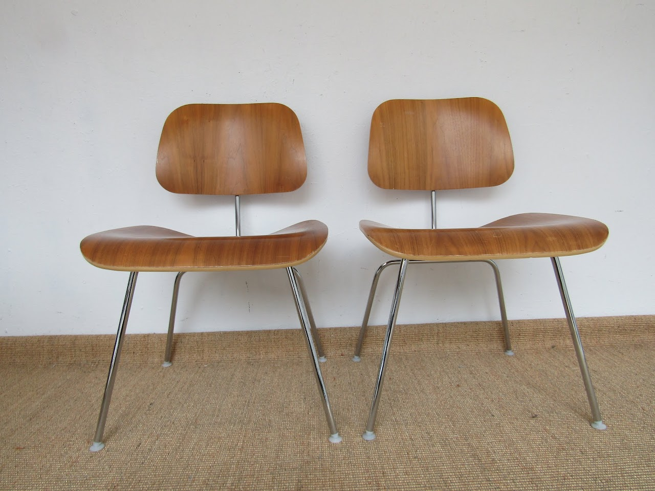 Eames Molded Plywood Chair Pair (7)