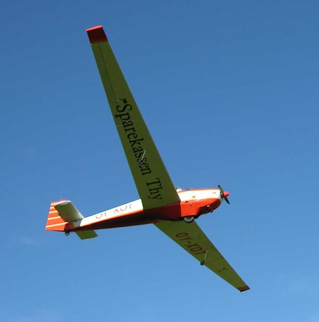 Mortorfalke, tosædet motorsvævefly til skoling, hygge og rejseflyvning