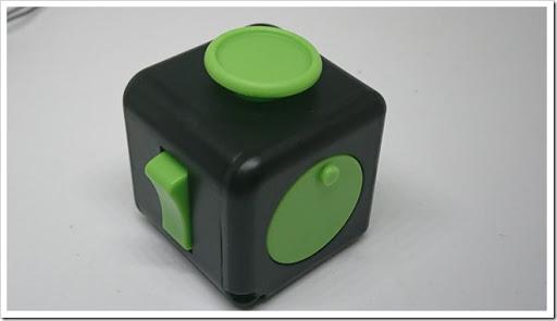 DSC 1340 thumb%25255B2%25255D - 【ガジェット】「XeYOU Fidget Cube (フィジェットキューブ)ストレス解消キューブ」「Readaeer® CREE社製 CREE-T6搭載 超高輝度LED 懐中電灯」レビュー。【フィジェット/小物/LED】