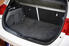 2013-Toyota-Auris-30