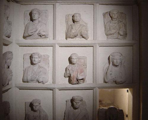 Istanbul_-_Museo_archeol._-_Colombario_funebre_da_Palmira_-_Foto_G._Dall'Orto_28-5-2006